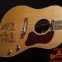 Gibson-J160-E-John-Lennon-70th-Anniversary Museum-Model-12