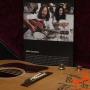 Gibson-J160-E-John-Lennon-70th-Anniversary Museum-Model-3